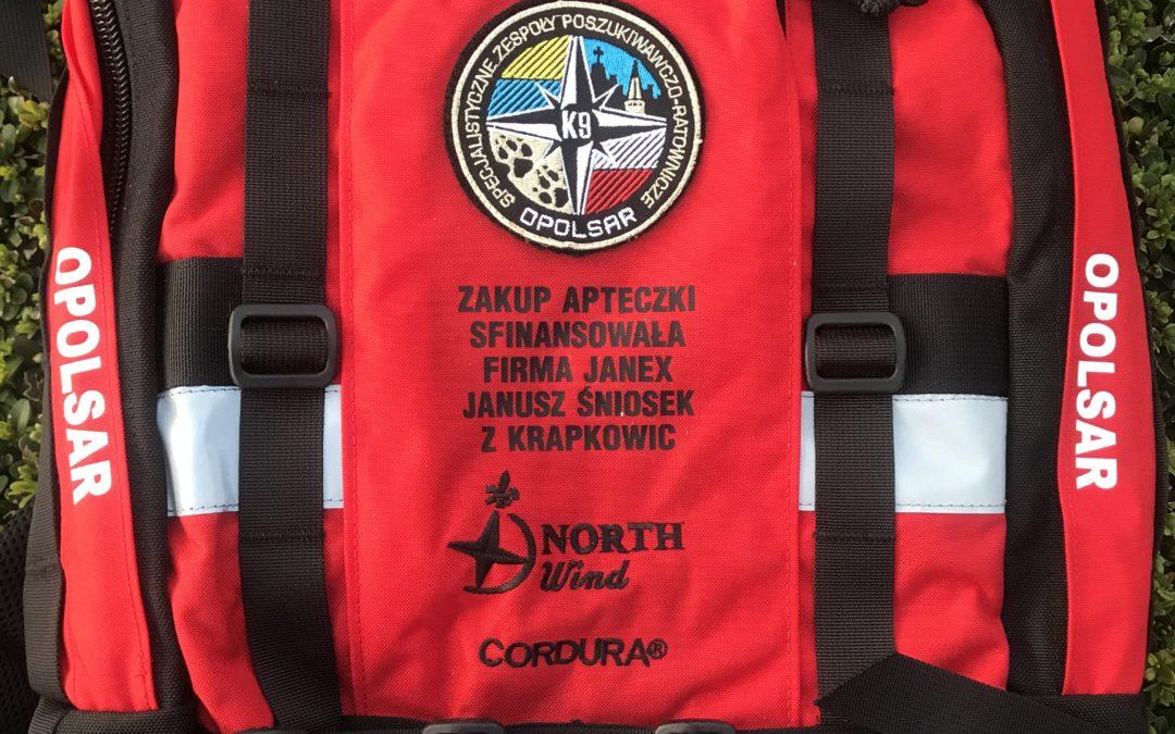 Firma JANEX Janusz Śniosek z Krapkowic przekazała nam dwie kompletnie wyposażone apteczki plecakowe.