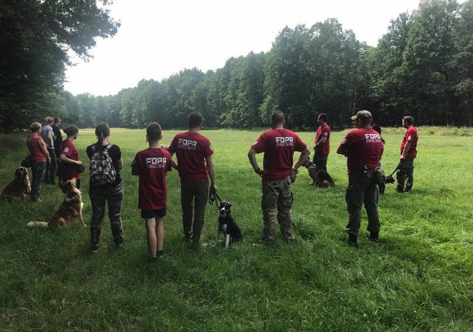 Szkolenie zespołów poszukiwawczych OPOLSARU w Tarnowie Opolskim.