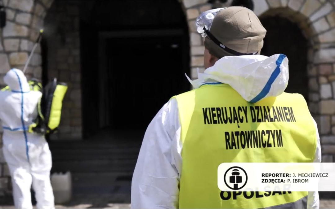 Dekontaminacja miejsc użyteczności publicznej w obiektywie Tarnów Opolski TV.