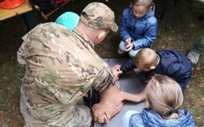 Ratownicy OPOLSARU na pikniku rodzinnym w Oleśnie.